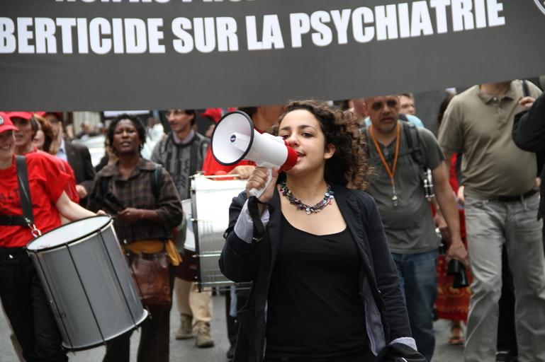 Manifestation contre le projet de loi psychiatrique