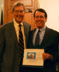 Tim Bowles et le Maire de Pasadena