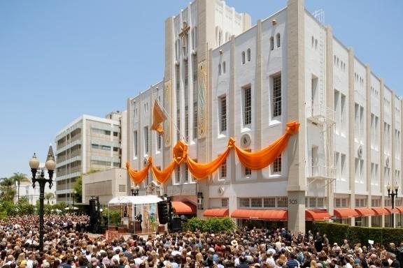Ce week-end, la nouvelle Eglise de Scientologie d'Orange County s'est ouverte
