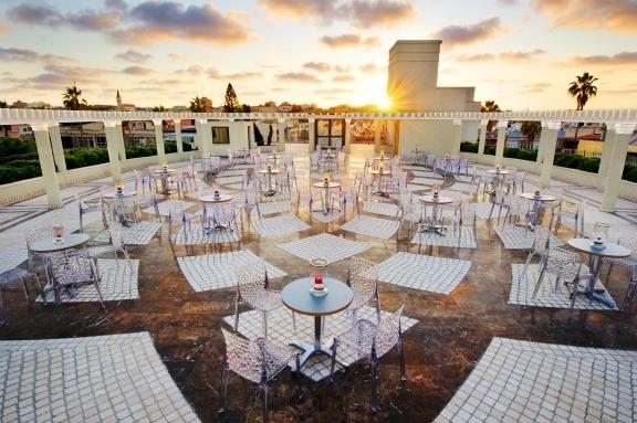 Le toit du nouveau centre de Scientologie de Tel Aviv