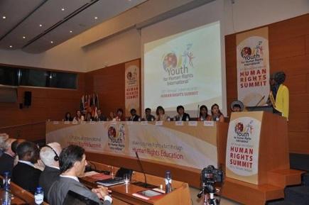 """10ème sommet de l'association """"Des Jeunes Pour les Droits de l'Homme"""" à Bruxelles"""
