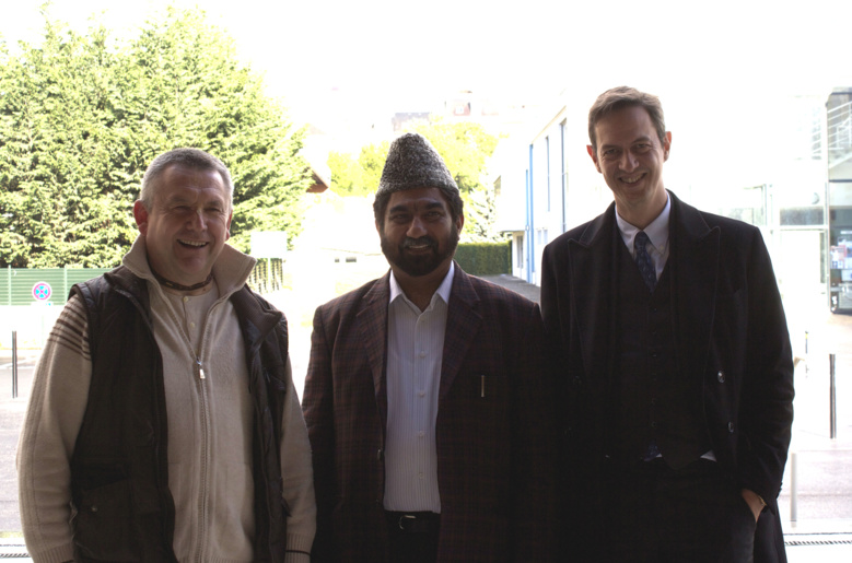 Avec Pandit Nitai Gaurasundar et Shahid Naseer Ahmed