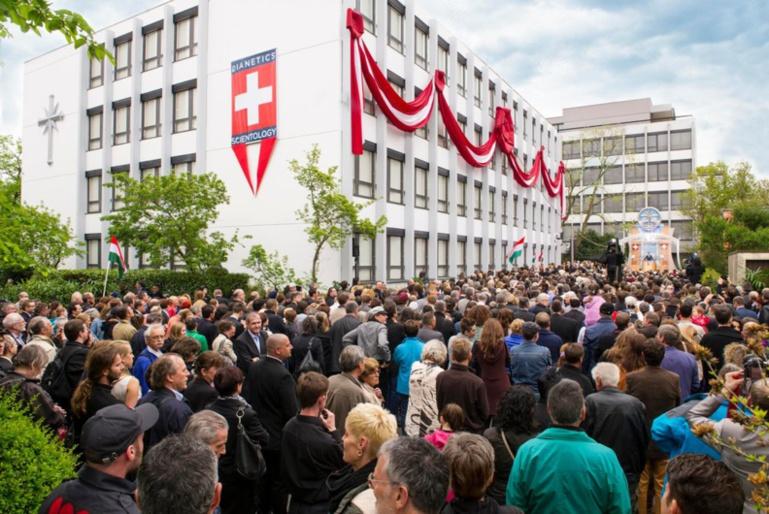 Inauguration de la nouvelle église de scientologie « idéale » à Bâle