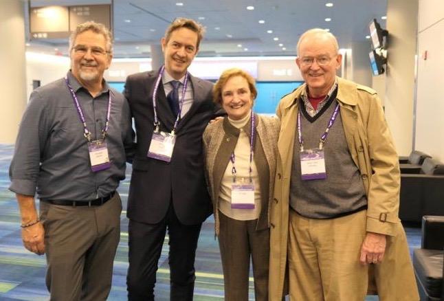 Avec le révérend Bill E. Swing, fondateur de United Religions Initiative (URI), le plus grand mouvement interreligieux du monde, son épouse et Victor Kazanjian, le Directeur Executif de URI
