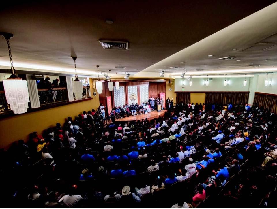Quand l'Eglise de Scientologie accueille un sommet destiné à résoudre la violence des gangs