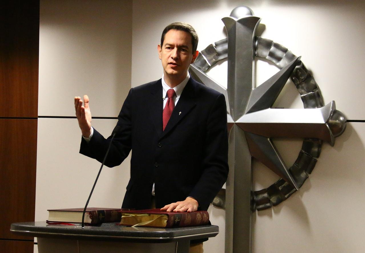 Eric Roux Duchovní Scientologické církve z Francie - ředitel Celebrity centra z Paříže